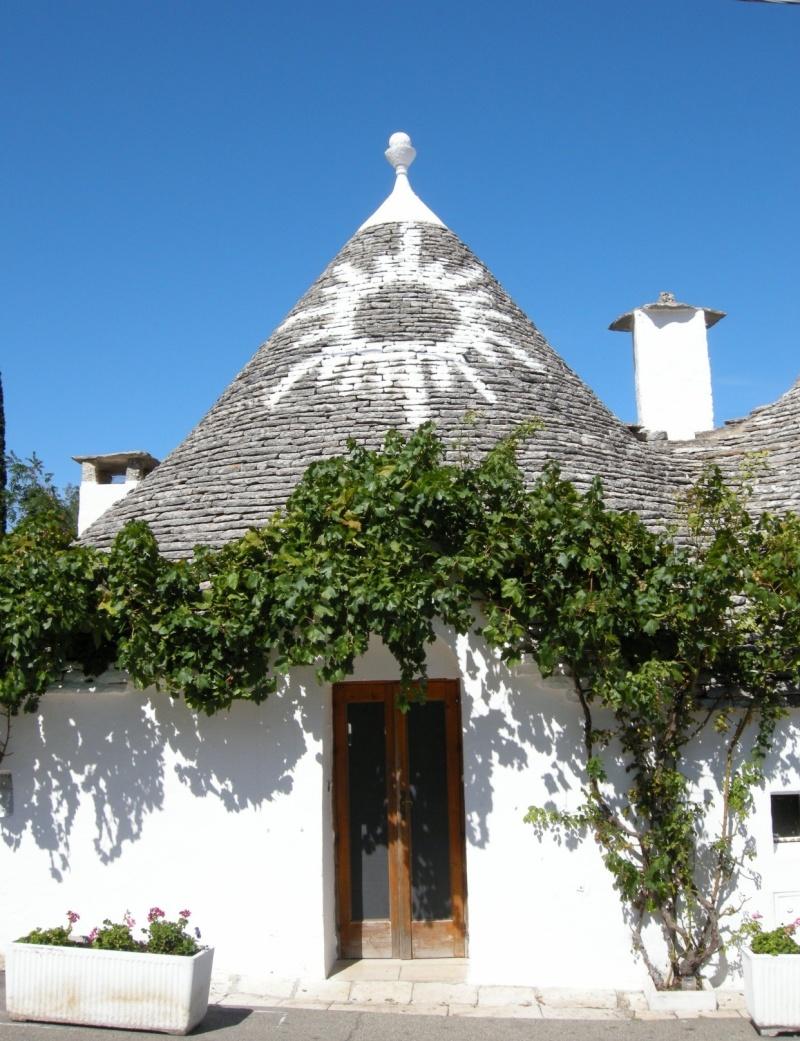 The Trulli Houses Of Alberobello Italy Weird Amp Cool