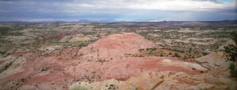 panoramic Utah vista of red rocks and mountains