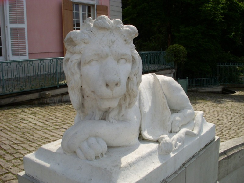Lion statue in front of Schloss Benrath (Benrath Palace)