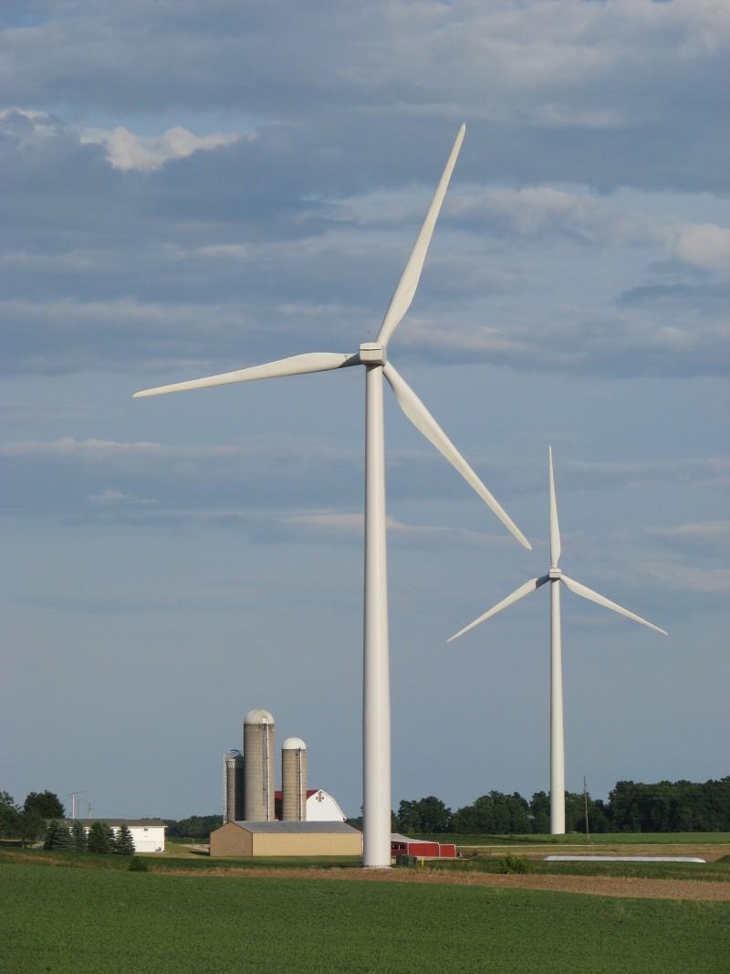 wind turbines in Fond du Lac County, Wisconsin