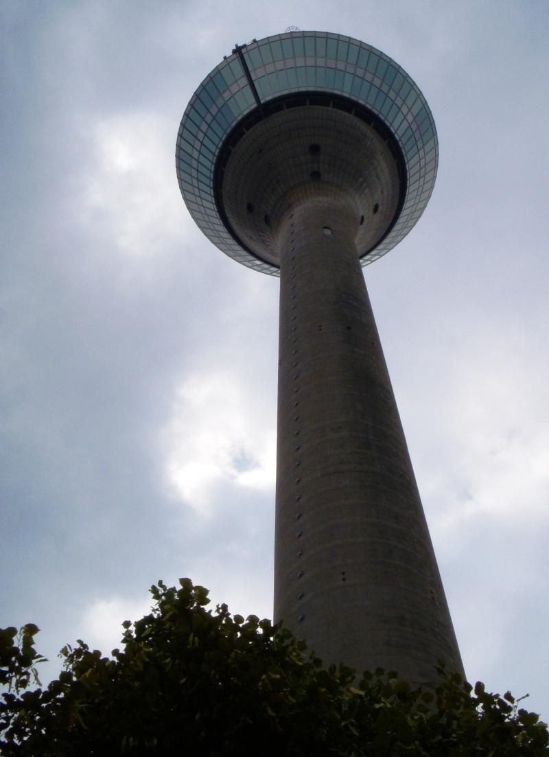 Rheinturm in Dusseldorf