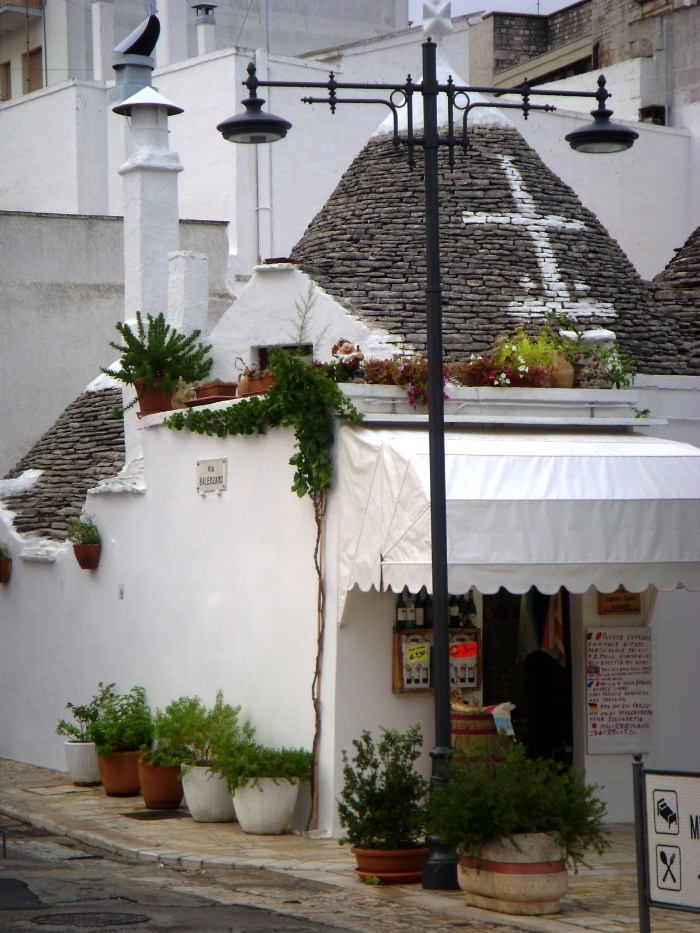 A trulli house in Alberobello, Italy, that now serves as a shop