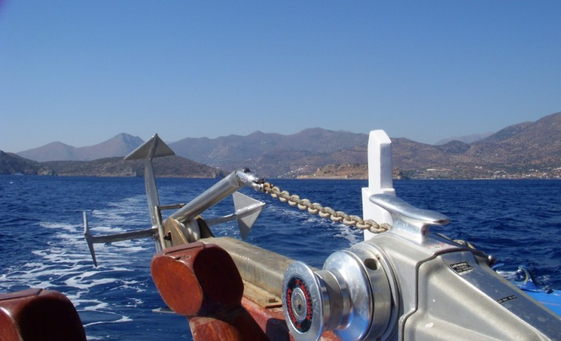 boating off the coast of Crete: a view of the mountains