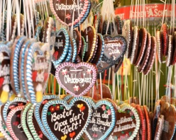 Oktoberfest hearts on display, Munich 2013